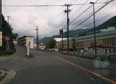 あさやホテル前の分岐道路の様子