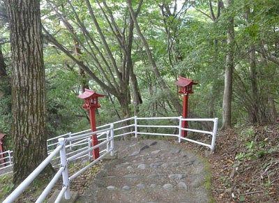 神社の階段の様子