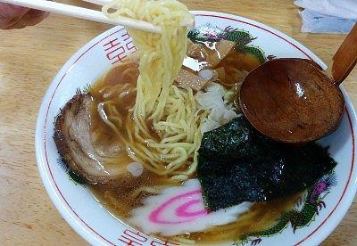 新潟しょうゆラーメンの麺