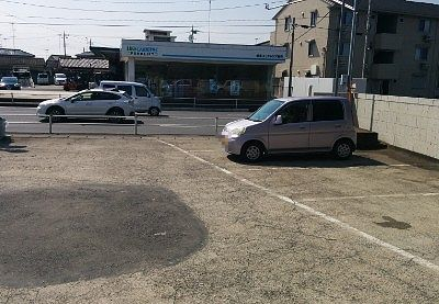 店前の駐車場の様子