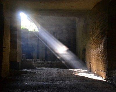 光が差す空間の様子